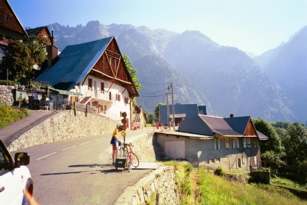 Le Rivier d'Allemont, climbing Croix de Fer